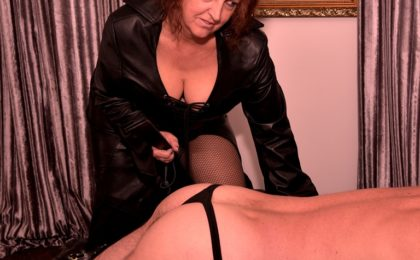Image of #TeesValleyMistress Spanking with a tawse