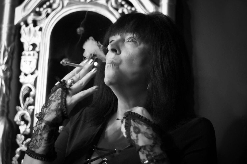 Darlington Domme Mistress Orchid & Smoking Fetish or Capnolagnia as its known